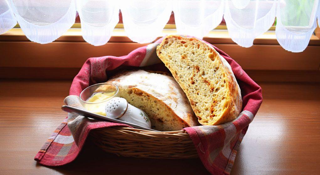 cibulový chléb