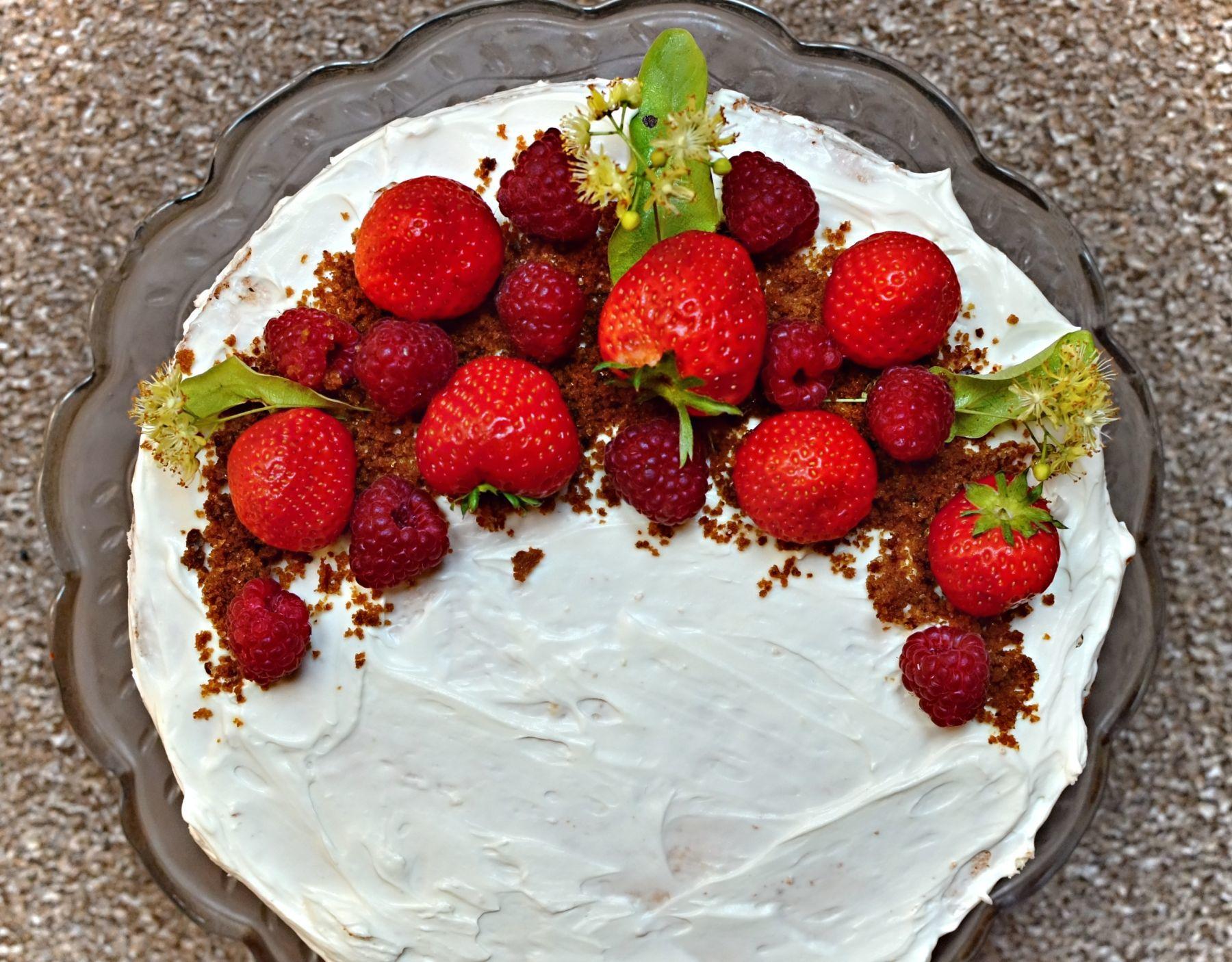 zdobení dortu naked cake