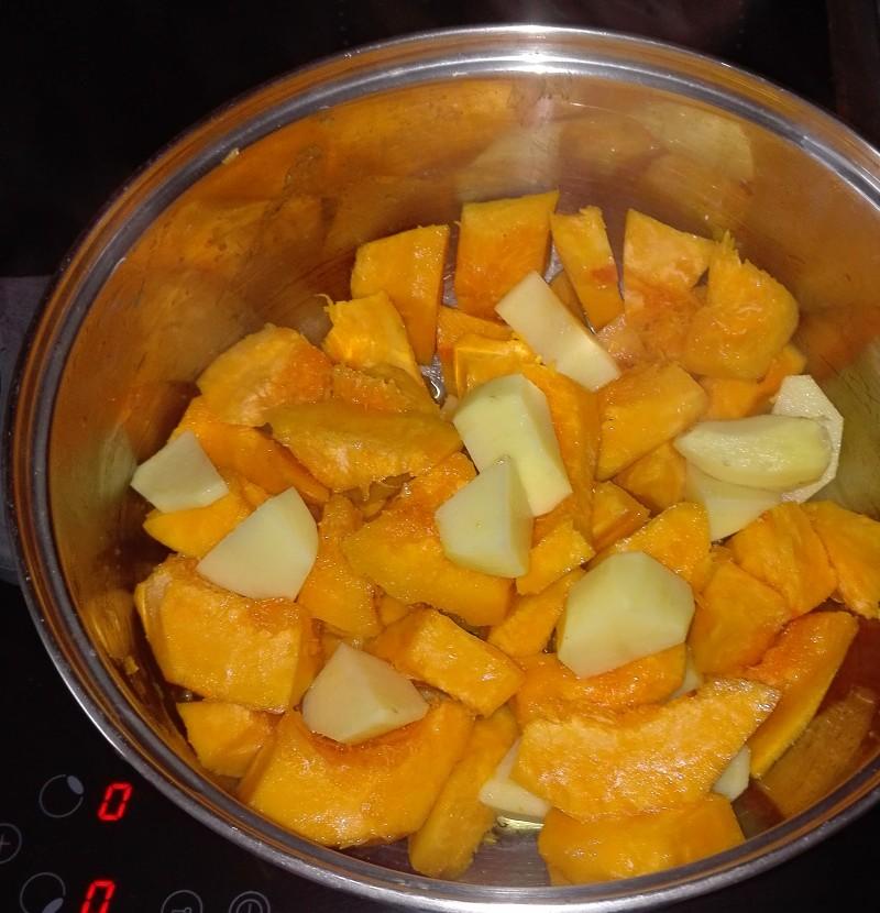 příprava dýňové polévky