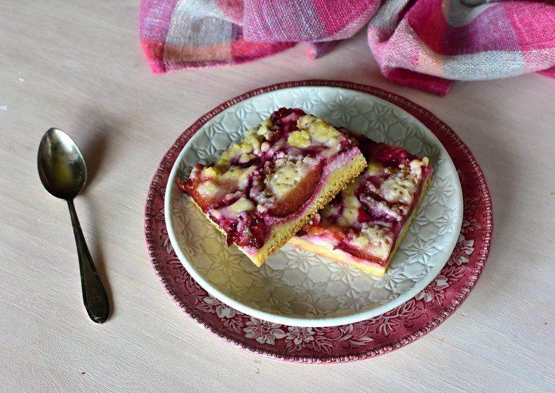 kynutý koláč švestky tvaroh