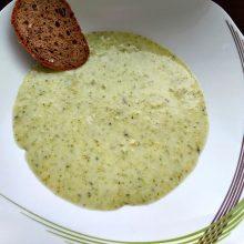 brokolicová polévka low carb