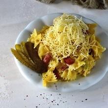 zapékané těstoviny s uzeným a se sýrem