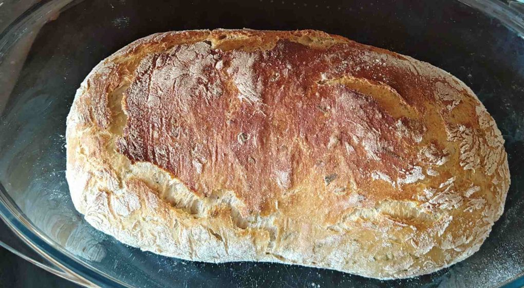 domácí bylinkový chléb